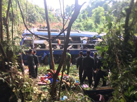 Cận cảnh hiện vụ tai nạn khiến 5 người chết, hàng chục người bị thương - Ảnh 3.