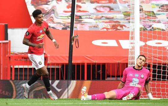 Mất điểm phút 90+6, Man United vỡ mộng ở thánh địa Old Trafford - Ảnh 4.