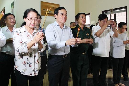 TP HCM dâng hương kỷ niệm 100 năm ngày sinh ông Phan Kiệm - Ảnh 1.