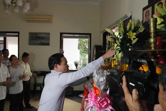 TP HCM dâng hương kỷ niệm 100 năm ngày sinh ông Phan Kiệm - Ảnh 2.