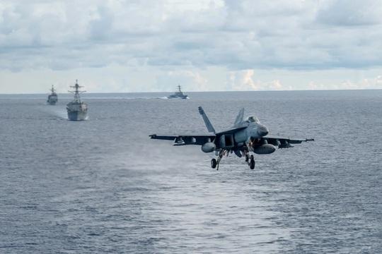 Chuyên gia Trung Quốc lo Mỹ đưa tàu tuần duyên đến biển Đông - Ảnh 1.