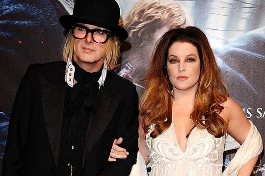 Con gái Elvis Presley rắc rối khi ly dị chồng thứ tư - Ảnh 2.
