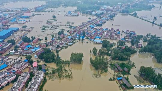 Giải mã mưa lũ khủng khiếp tại Trung Quốc - Ảnh 2.