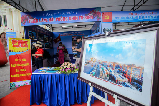 Trưng bày 300 bức ảnh về công cuộc xây dựng, bảo vệ chủ quyền biển, đảo Việt Nam - Ảnh 9.