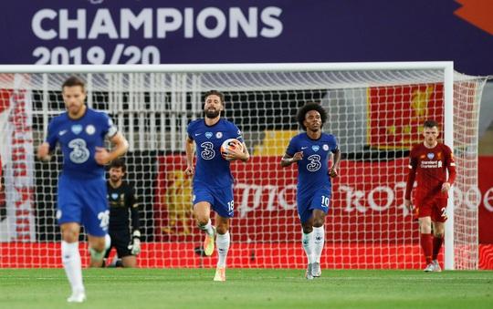 Vùi dập Chelsea, Liverpool tưng bừng nâng cúp vô địch ở Anfield - Ảnh 3.