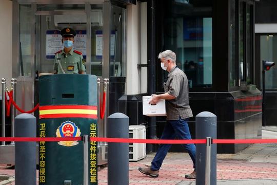 Trung Quốc tuyên bố không bỏ qua việc Mỹ phá khóa tổng lãnh sự quán ở Houston - Ảnh 8.