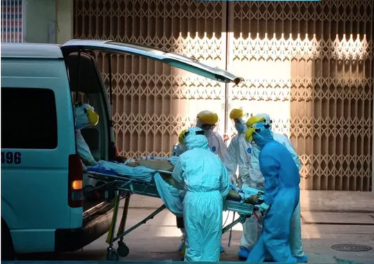 Bệnh nặng tiến triển nhanh, ca mắc Covid-19 ở Đà Nẵng phải can thiệp ECMO - Ảnh 1.
