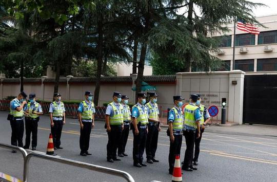 Trung Quốc tuyên bố không bỏ qua việc Mỹ phá khóa tổng lãnh sự quán ở Houston - Ảnh 4.