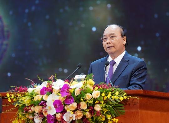 Chùm ảnh: Thủ tướng dự chương trình gặp mặt các Bà mẹ Việt Nam anh hùng - Ảnh 5.