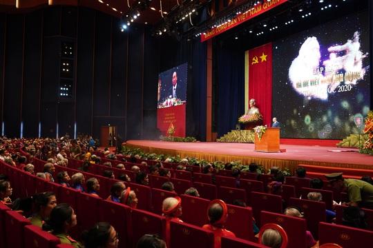 Chùm ảnh: Thủ tướng dự chương trình gặp mặt các Bà mẹ Việt Nam anh hùng - Ảnh 9.