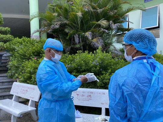Vì sao BV Hoàn Mỹ Đà Nẵng không thực hiện xét nghiệm Covid-19 cho bệnh nhân 449  người Mỹ? - Ảnh 1.