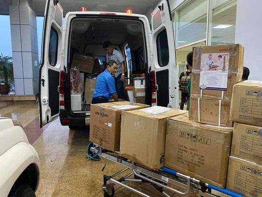 Chuyến bay đón 120 bệnh nhân Covid-19 ở Guinea Xích đạo đã cất cánh - Ảnh 2.