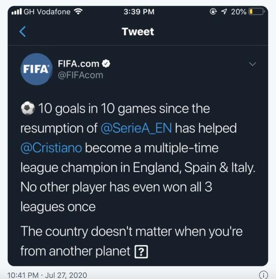 Tâng bốc Ronaldo quá lố, FIFA muối mặt gỡ tút trang chủ - Ảnh 1.