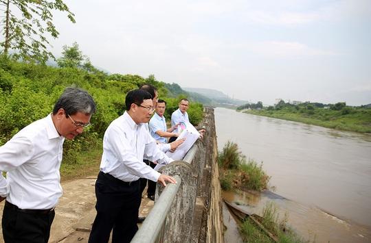 Phó Thủ tướng Phạm Bình Minh thị sát khu vực biên giới tại Lào Cai - Ảnh 3.