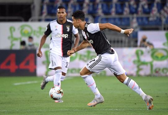 Cày ải 9 ngày bốn trận, Ronaldo tan giấc mơ Chiếc giày vàng - Ảnh 2.