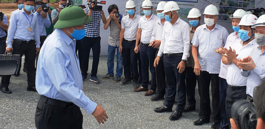 Thủ tướng kiểm tra dự án cao tốc Trung Lương - Mỹ Thuận - Ảnh 2.