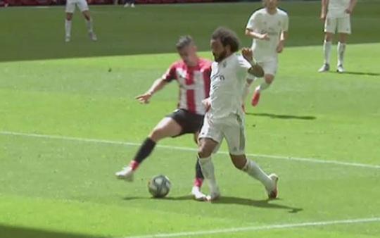 Đao phủ Ramos lập kỷ lục ghi bàn, Real Madrid được ưu ái? - Ảnh 2.