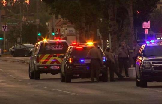 Chờ bố mẹ lấy đồ ăn, bé gái 13 tuổi chết tức tưởi vì bị cướp xe - Ảnh 2.