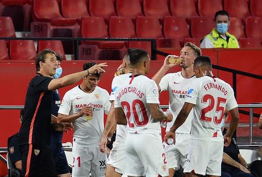 Ghi bàn và cứu thua, Lucas Ocampos sắm vai người hùng Sevilla - Ảnh 2.