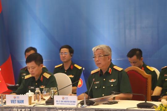Nhật Bản nêu vụ tàu cá Việt Nam chìm sau va chạm tàu Hải cảnh Trung Quốc tại Hội nghị Chính sách an ninh ARF - Ảnh 7.