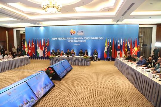 Nhật Bản nêu vụ tàu cá Việt Nam chìm sau va chạm tàu Hải cảnh Trung Quốc tại Hội nghị Chính sách an ninh ARF - Ảnh 4.