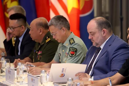 Nhật Bản nêu vụ tàu cá Việt Nam chìm sau va chạm tàu Hải cảnh Trung Quốc tại Hội nghị Chính sách an ninh ARF - Ảnh 9.