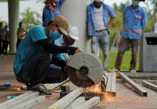 Tiến hành lắp đặt bệnh viện dã chiến Covid-19 hơn 94.000m2 ở Đà Nẵng - Ảnh 6.
