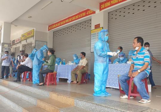 Quảng Nam yêu cầu sớm xử lý tình hình dịch tại Công ty Giày Rieker Việt Nam - Ảnh 1.