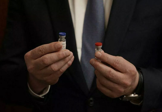 Đua phát triển vắc-xin Covid-19: Người Nga đi trước một bước - Ảnh 2.