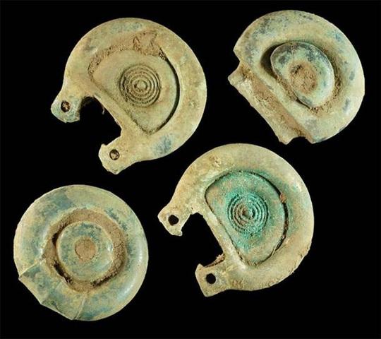 Dò kim loại, phát hiện kho báu quốc gia vô giá 3.000 năm tuổi - Ảnh 3.