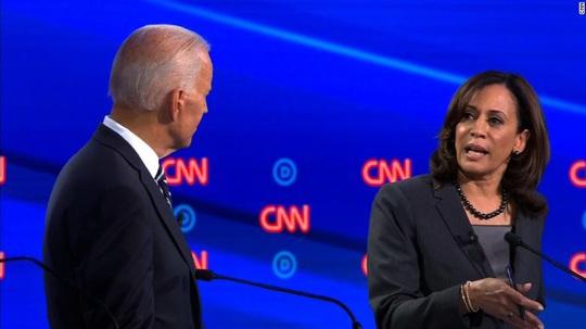 """Bầu cử Mỹ: Ứng viên Joe Biden chọn """"át chủ bài"""" đấu với Tổng thống Trump - Ảnh 1."""