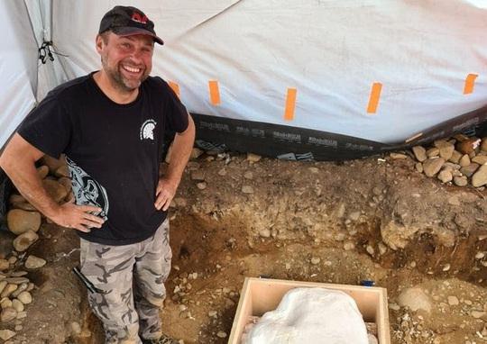 Dò kim loại, phát hiện kho báu quốc gia vô giá 3.000 năm tuổi - Ảnh 1.