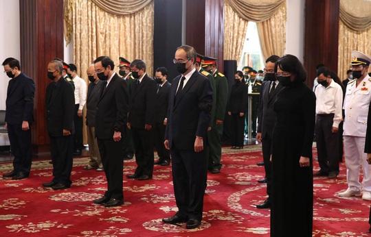 Lễ truy điệu nguyên Tổng Bí thư Lê Khả Phiêu tại TP HCM - Ảnh 3.