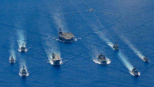 Tàu sân bay Mỹ Ronald Reagan quay lại tập trận ở biển Đông - Ảnh 2.