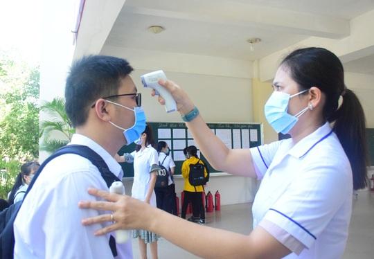 Học sinh Quảng Nam đi học trở lại, công an điều tra văn bản giả mạo - Ảnh 1.