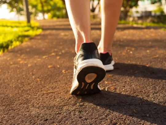 Mỗi ngày 7 phút đi bộ kiểu này, giảm 30% nguy cơ chết sớm - Ảnh 1.
