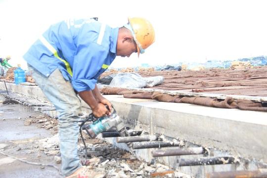 Bộ trưởng Nguyễn Văn Thể: Đặt chất lượng thi công đường băng lên hàng đầu - Ảnh 2.