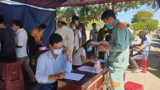 6 ca mắc Covid-19 mới ở Quảng Nam: Nhiều người buôn bán, đi khắp chợ, lo đám tang... - Ảnh 1.