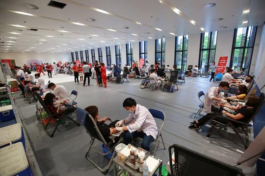 Hành trình Đỏ thu về hơn 101.600 đơn vị máu - Ảnh 2.