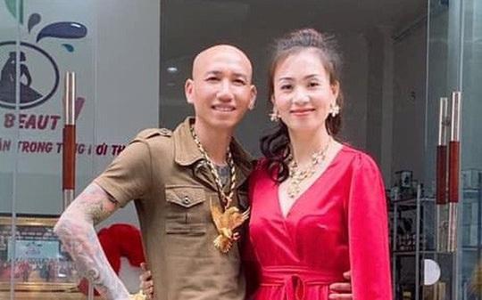 Vợ chồng Phú Lê bị bắt giữ - Ảnh 1.