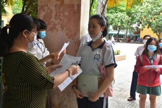 TP HCM: 115 điểm thi đón thí sinh làm thủ tục - Ảnh 6.