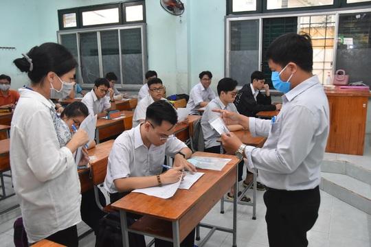 TP HCM: 115 điểm thi đón thí sinh làm thủ tục - Ảnh 9.
