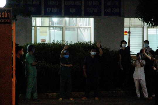 Bệnh viện C Đà Nẵng đã mở cửa trở lại, sau 14 ngày phong tỏa hoàn toàn - Ảnh 8.