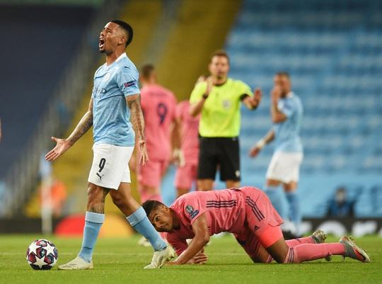 Bắn hạ Kền kền trắng, Man City thẳng tiến Champions League - Ảnh 10.