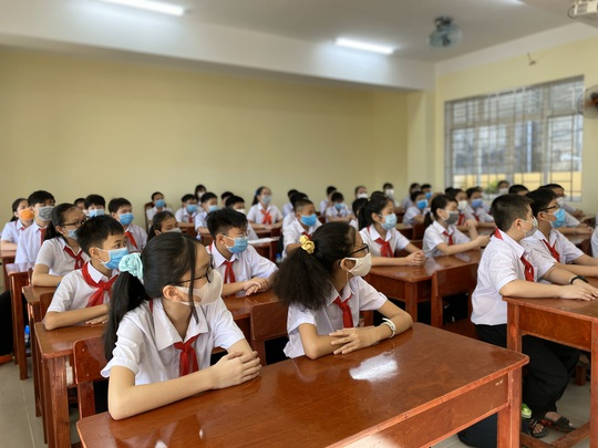 """Đà Nẵng: Học sinh mang thông điệp """"5K"""" đến trường, sau 1 tuần học trực tuyến - Ảnh 10."""