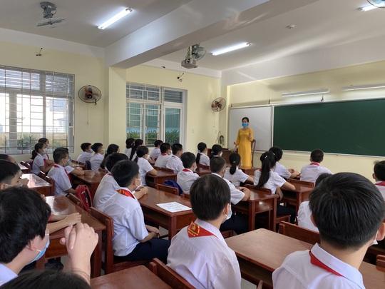 """Đà Nẵng: Học sinh mang thông điệp """"5K"""" đến trường, sau 1 tuần học trực tuyến - Ảnh 11."""