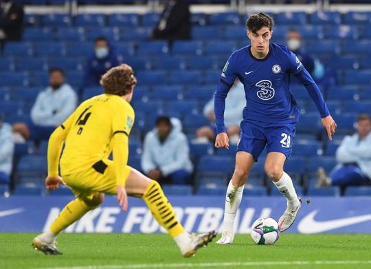 Bom tấn Kai Havertz lập hat-trick, Chelsea bùng nổ League Cup - Ảnh 2.