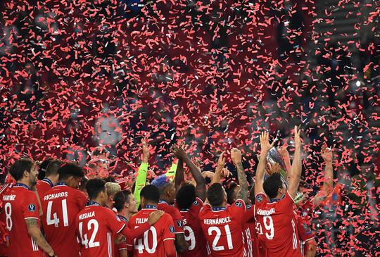 Ngược dòng đẳng cấp, Bayern Munich đăng quang Siêu cúp châu Âu - Ảnh 9.