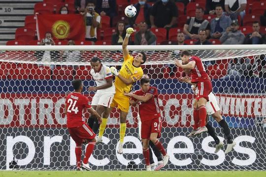 Ngược dòng đẳng cấp, Bayern Munich đăng quang Siêu cúp châu Âu - Ảnh 6.