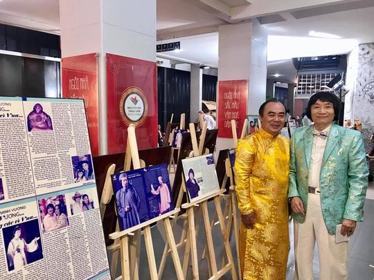 Đông đảo nghệ sĩ xem triển lãm ảnh của NSND Minh Vương - Ảnh 6.